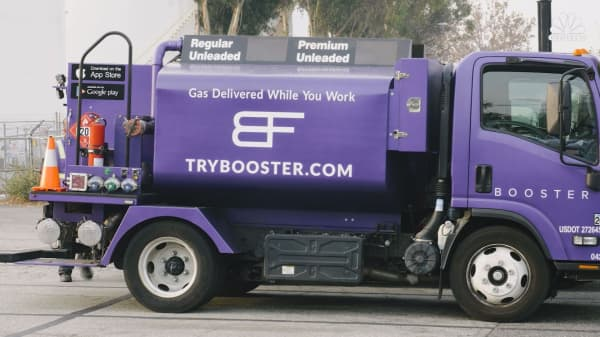 1a1b761af7 Booster Fuels designed a truck that can squeeze through parking lots to  refill your car while you work