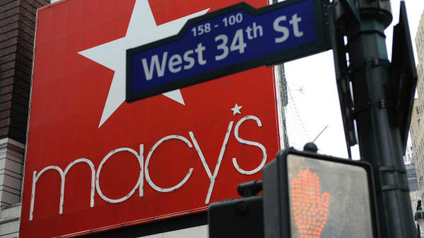 What will be the holiday shopping hours for Macy's this holiday season?