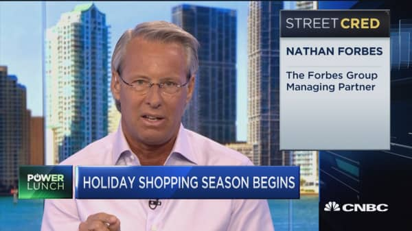 Malls compete for shoppers from e-commerce ahead of holidays