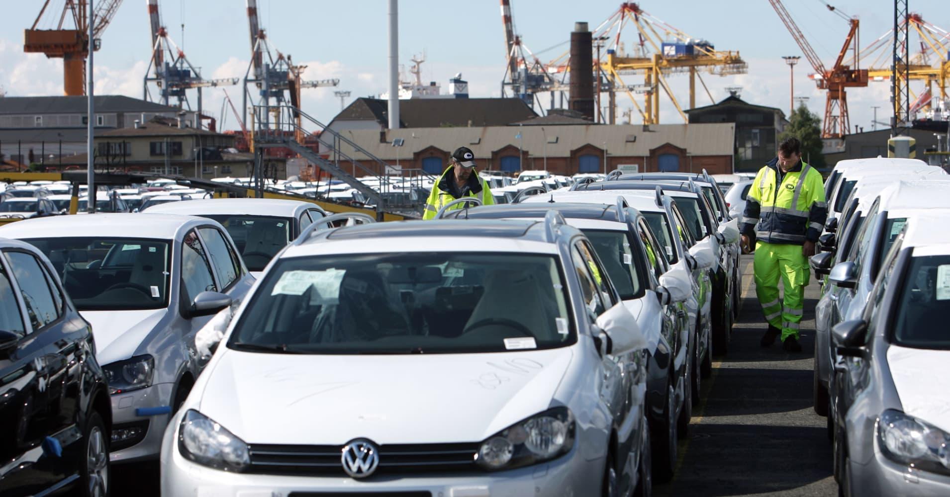 As Trump ponders auto tariffs, free-trade Republicans push back