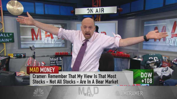 Apple's stock holds the key to the end of the bear market, Jim Cramer says