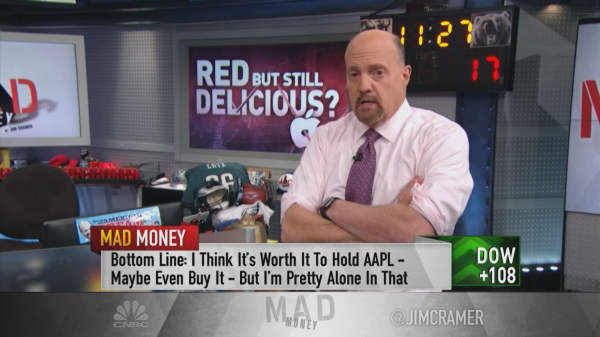 Apple the key ending bear market, says Jim Cramer