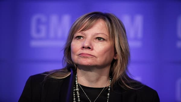 GM CEO Mary Barra is accountable to her shareholders, not politicians, says Jeff Sonnenfeld