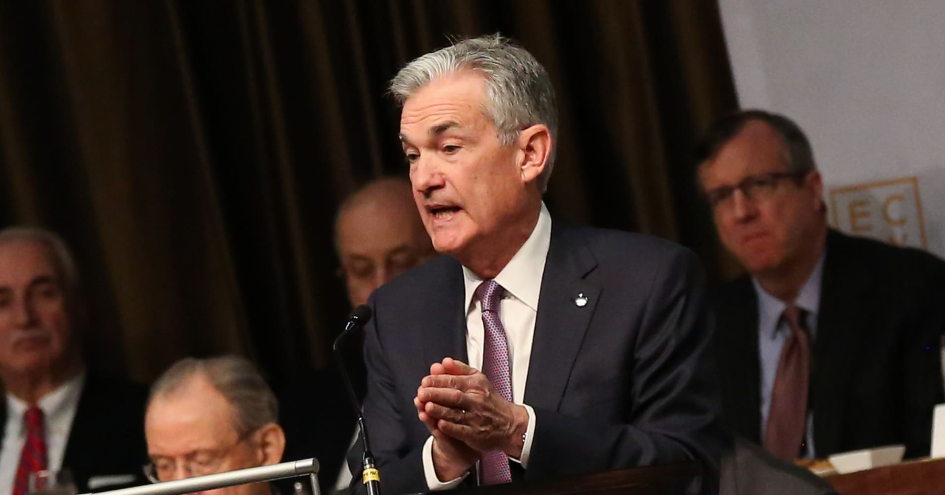Fed meeting could be pivotal for stock market looking for 'knight in shining armor'