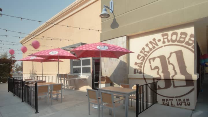 Here Is A Look At The New Store Design Baskin Robbins Is Testing