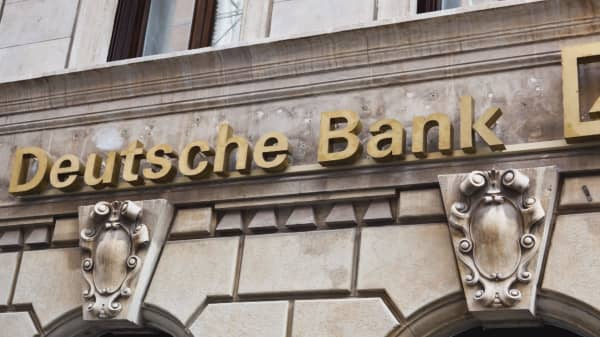 Deutsche Bank raided by police