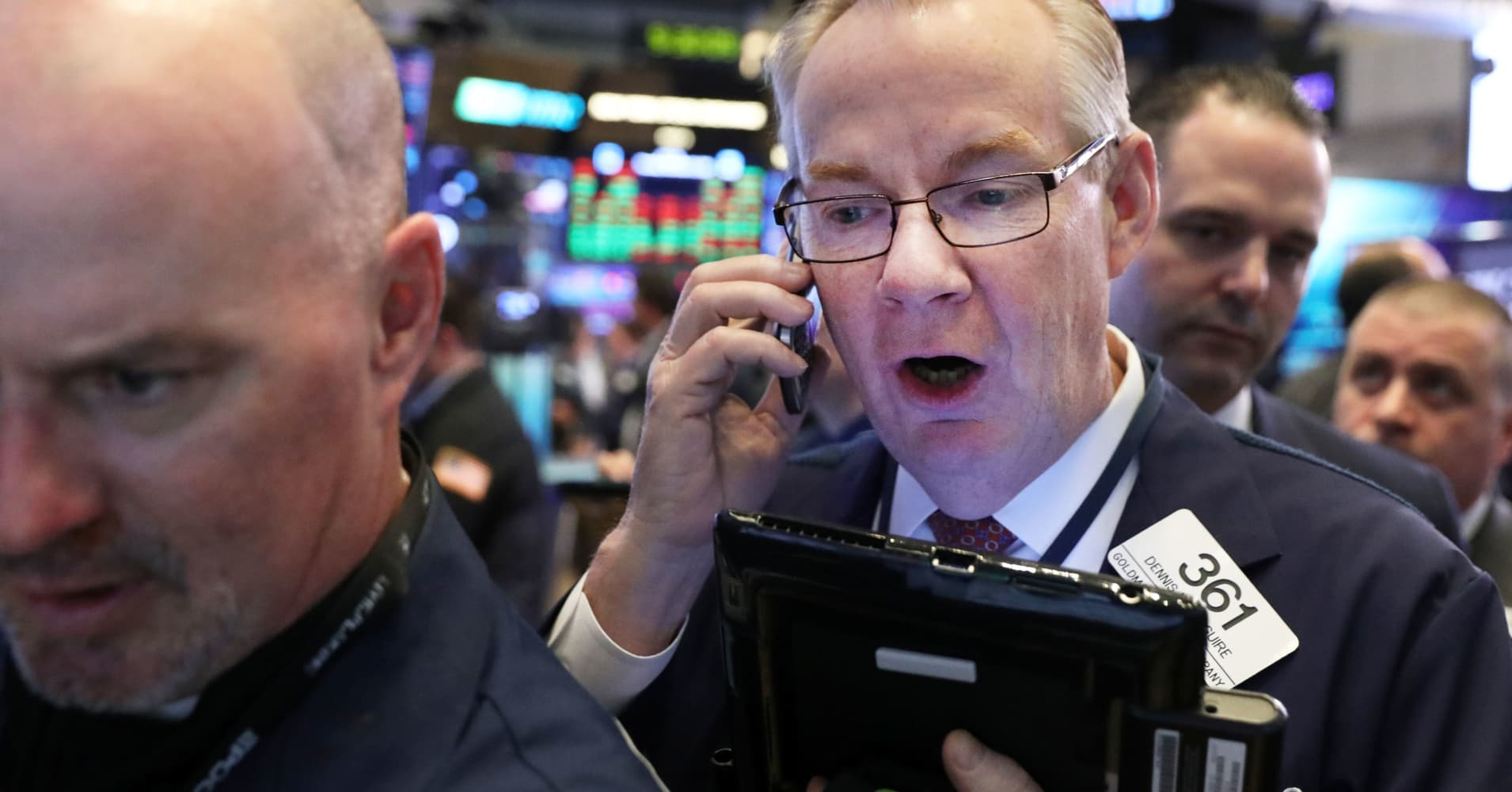 Stocks making the biggest moves midday: Kraft Heinz, Wayfair, Stamps.com & more