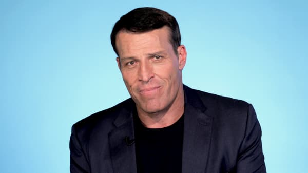 Tony Robbins: Do this with your money before you're 30