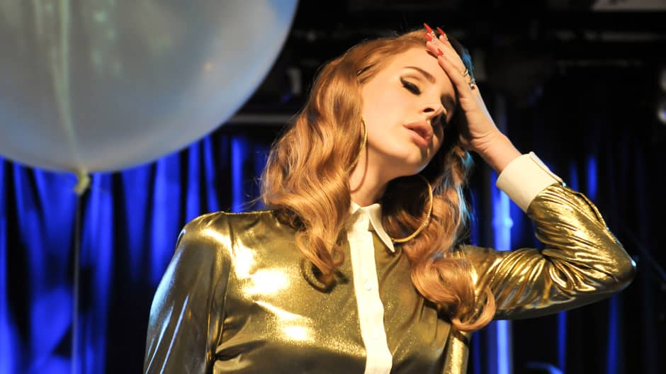 Lana Del Rey was $17,000 in debt and worked odd jobs off ...