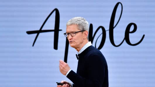 Tim Cook, chief executive office of Apple Inc., speaks during an event at Lane Technical College Prep High School in Chicago, Illinois, U.S., on Tuesday, March 27, 2018. Apple is making announcements in a bid to win back students and teachers from Google and Microsoft Corp.