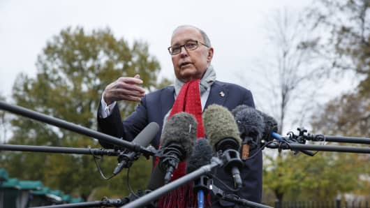 Larry Kudlow, director of the U.S. National Economic Council, speaks to members of the media outside the White House in Washington, D.C., U.S., on Tuesday, Nov. 13, 2018.