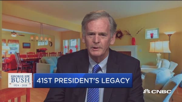 Bush defined how you should be an elected officials, says former senator
