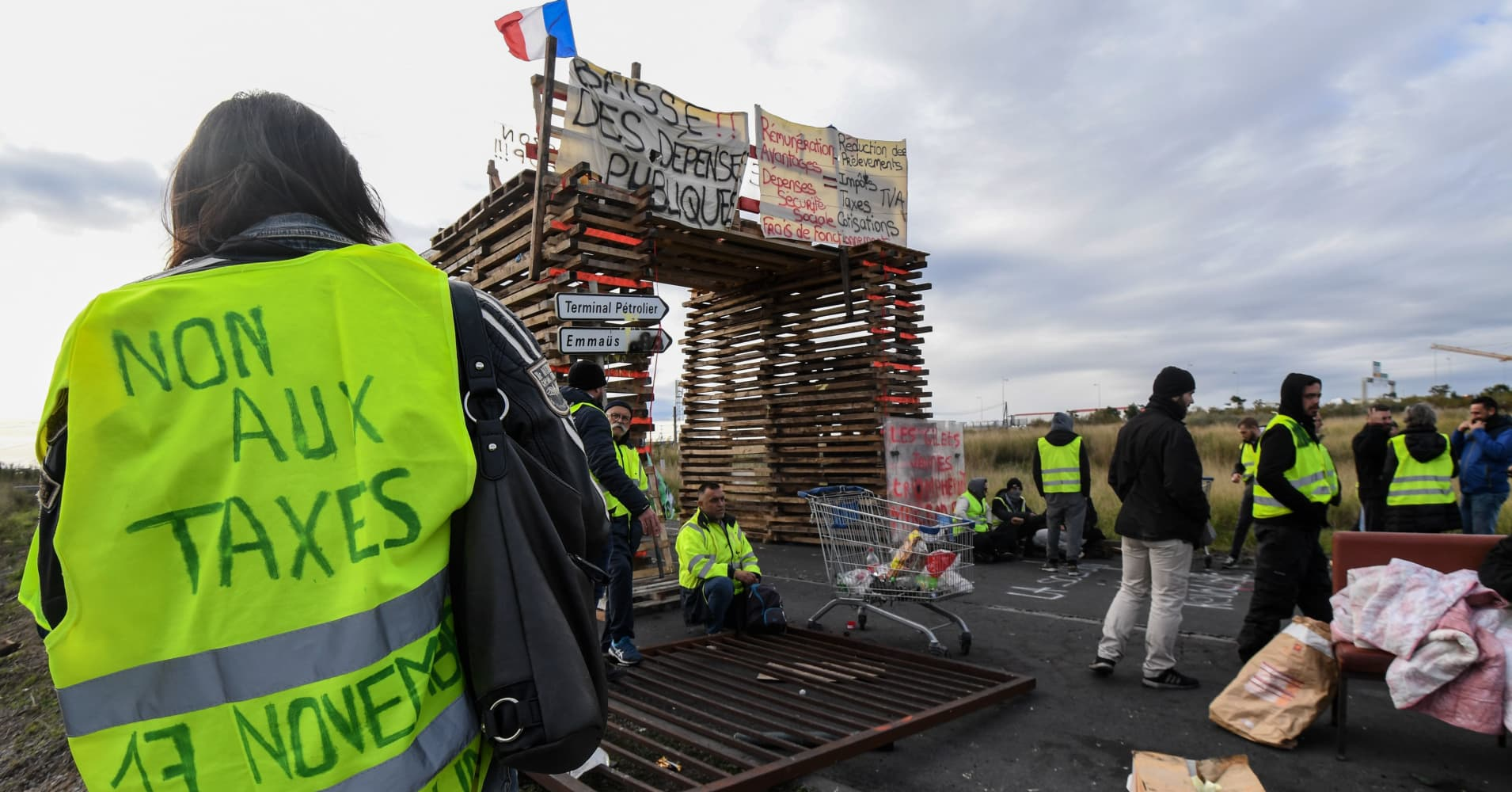 French government reportedly set to suspend fuel tax hike after violent protests