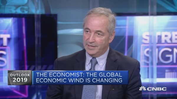 Battle lines between globalists and nationalists will cause upset in 2019, Economist editor says