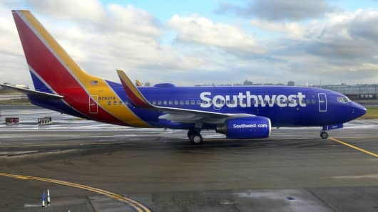 Goldman Sachs downgrades Southwest Airlines because new Hawaii route will be too costly