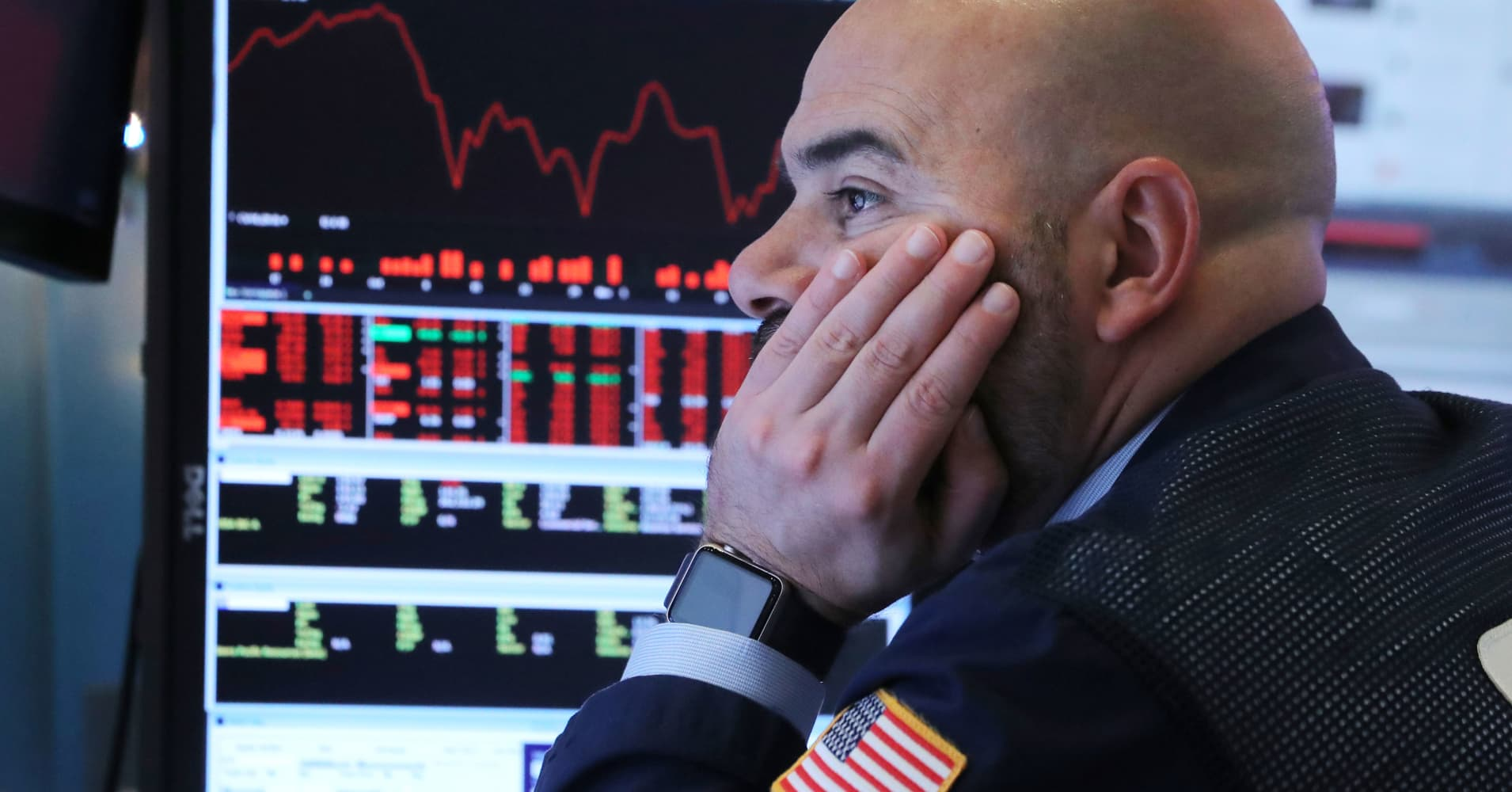 Dow plunges nearly 800 points on rising fears of an economic slowdown