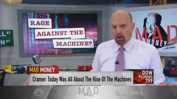 This sell-off was caused by a computer-driven 'footrace,' Jim Cramer says