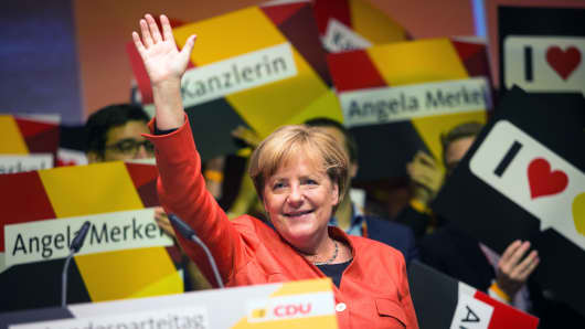 Angela Merkel, the head of the CDU and the German chacellor, waves to supporters after giving a speech during a local party convention of CDU in Reutlingen, Germany, 09 September 2017.