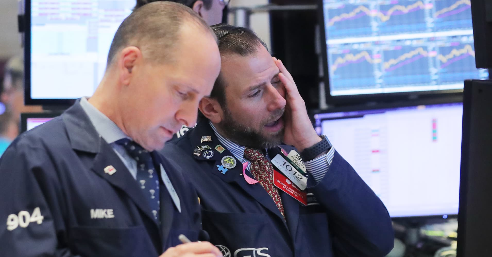 Sell-offs could be down to machines that control 80% of the US stock market, fund manager says