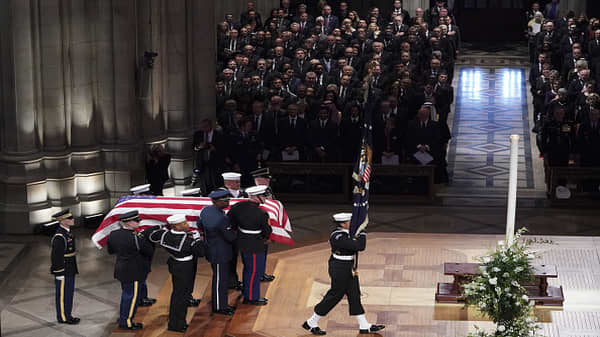 Bush enters National Cathedral at the start of his funeral