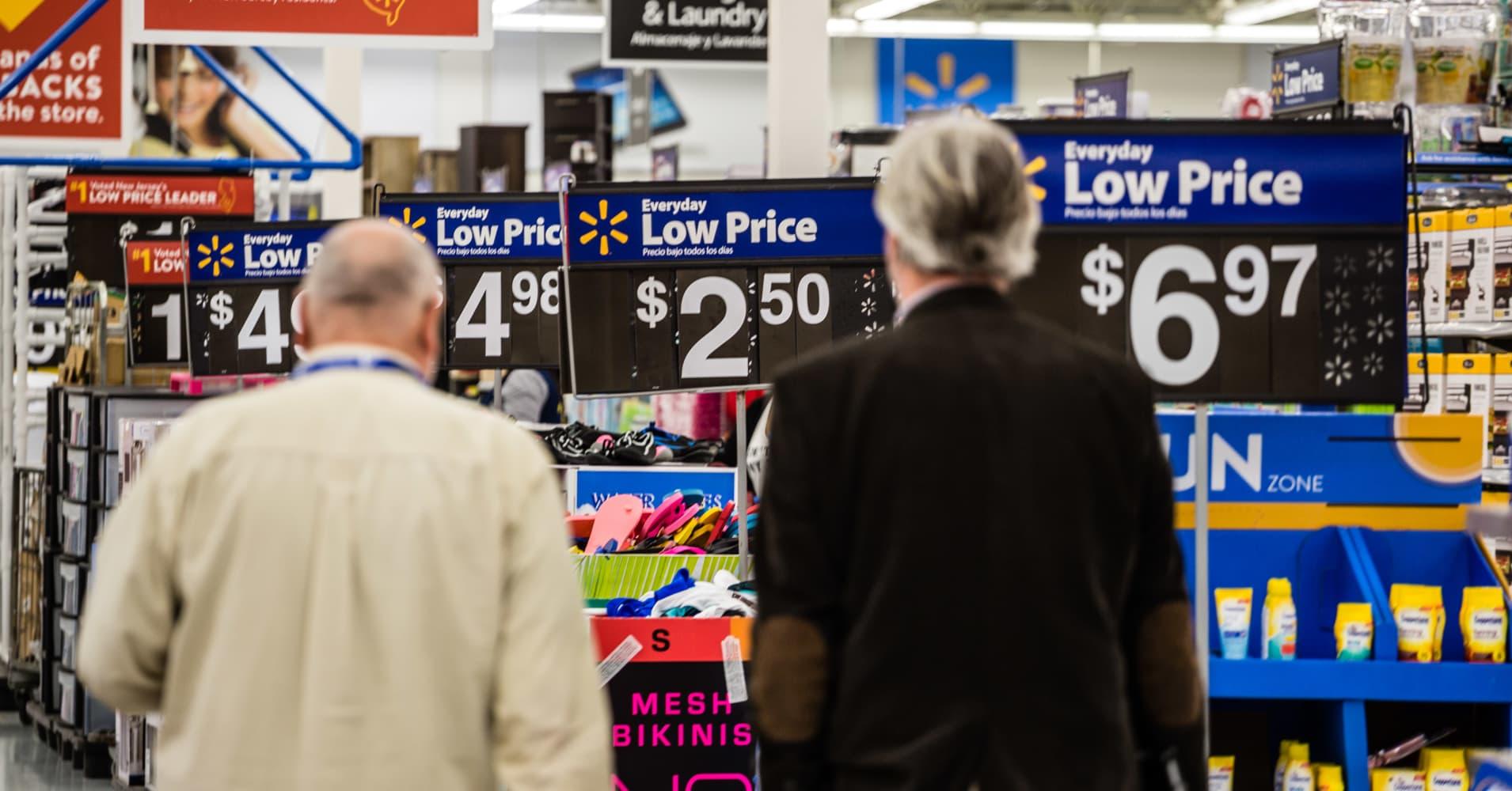 Economists slash growth for fourth quarter after big retail sales drop