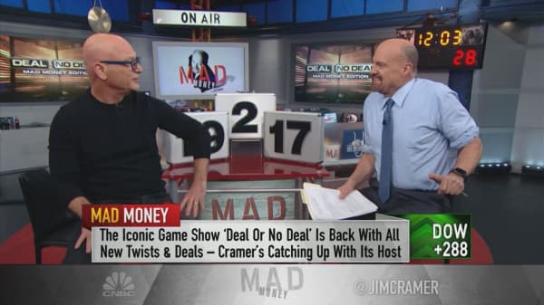 Howie Mandel tells the story of his first time hosting 'Deal or No Deal,' and it's hilarious