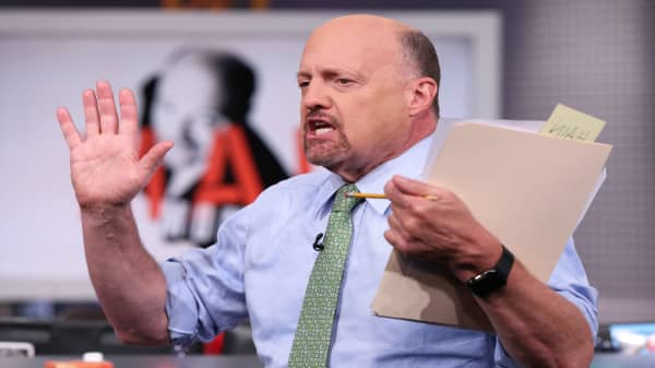 China better order many Boeing planes by Friday, says Jim Cramer