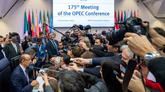 Saudi Arabia's Energy Minister Khalid al-Falih (L) speaks to journalists as he attends the 175th OPEC Conference of Organization of the Petroleum Exporting Countries (OPEC) in Vienna, Austria on December 06, 2018.