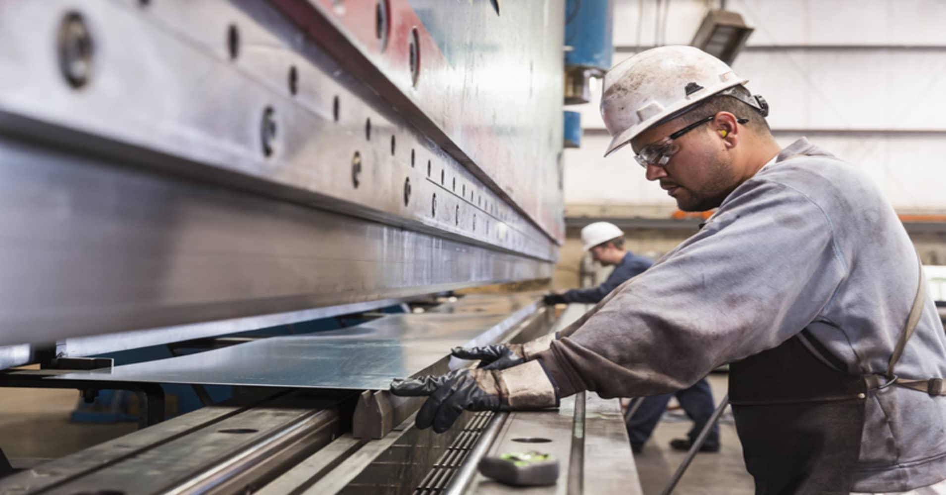 Job growth falls short of expectations in November: 155,000 payrolls created vs 198,000 estimate