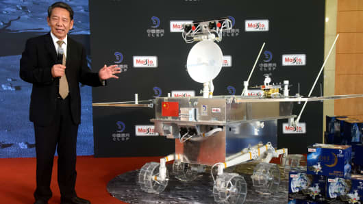 Wu Weiren, chief designer of China's lunar probe program, talks about the Chang'e-4 rover at the Diaoyutai State Guesthouse on August 15, 2018 in Beijing, China.