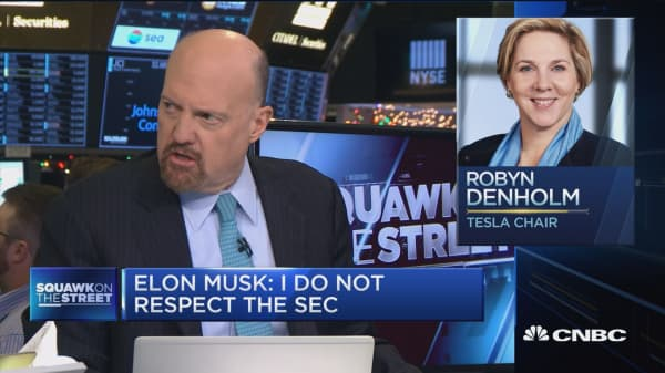 Elon Musk 'thinks he's above the law': Cramer on the Tesla CEO's combative '60 Minutes' interview