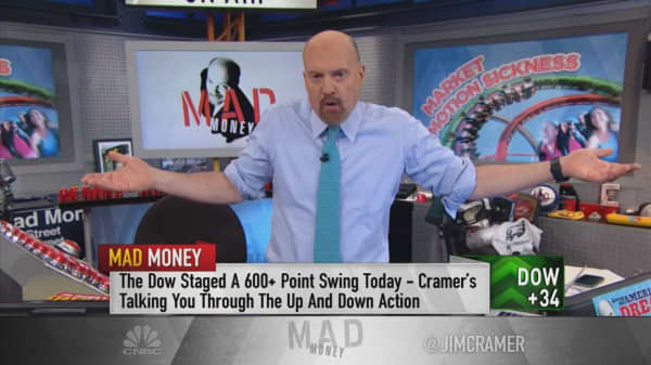 Apple stock action tells you all you need to know about this market, says Cramer