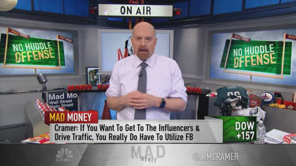 'Facebook's stock is bottoming here' as Instagram keeps drawing ad dollars: Jim Cramer