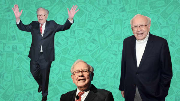 Warren Buffett learned this valuable lesson after buying his first stock during World War II