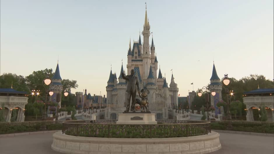 where to save and splurge at walt disney world near orlando florida
