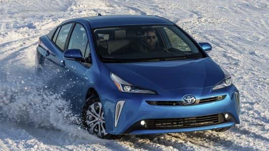 Toyota struggles to save breakthrough Prius hybrid