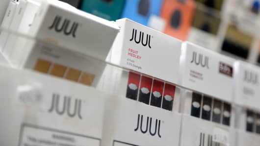 Vaping Juul reduces smokers' exposure to cigarette toxins similar to quitting, study shows