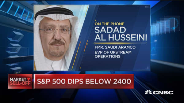 The negative sentiment in the markets is spilling over into the energy sector, says former Aramco EVP
