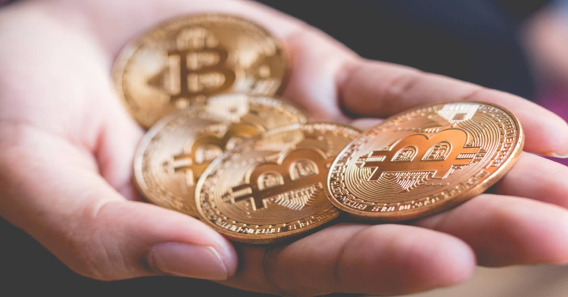 Bitcoin is a non-correlated asset, crypto expert says