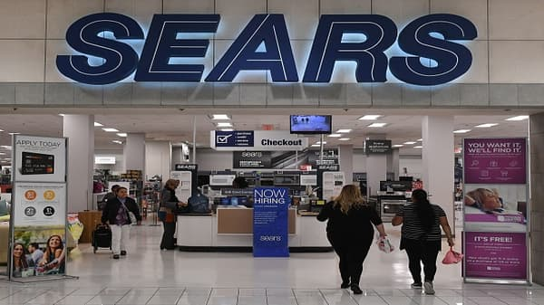 Sears may have runway to stick around, says Moody's retail analyst