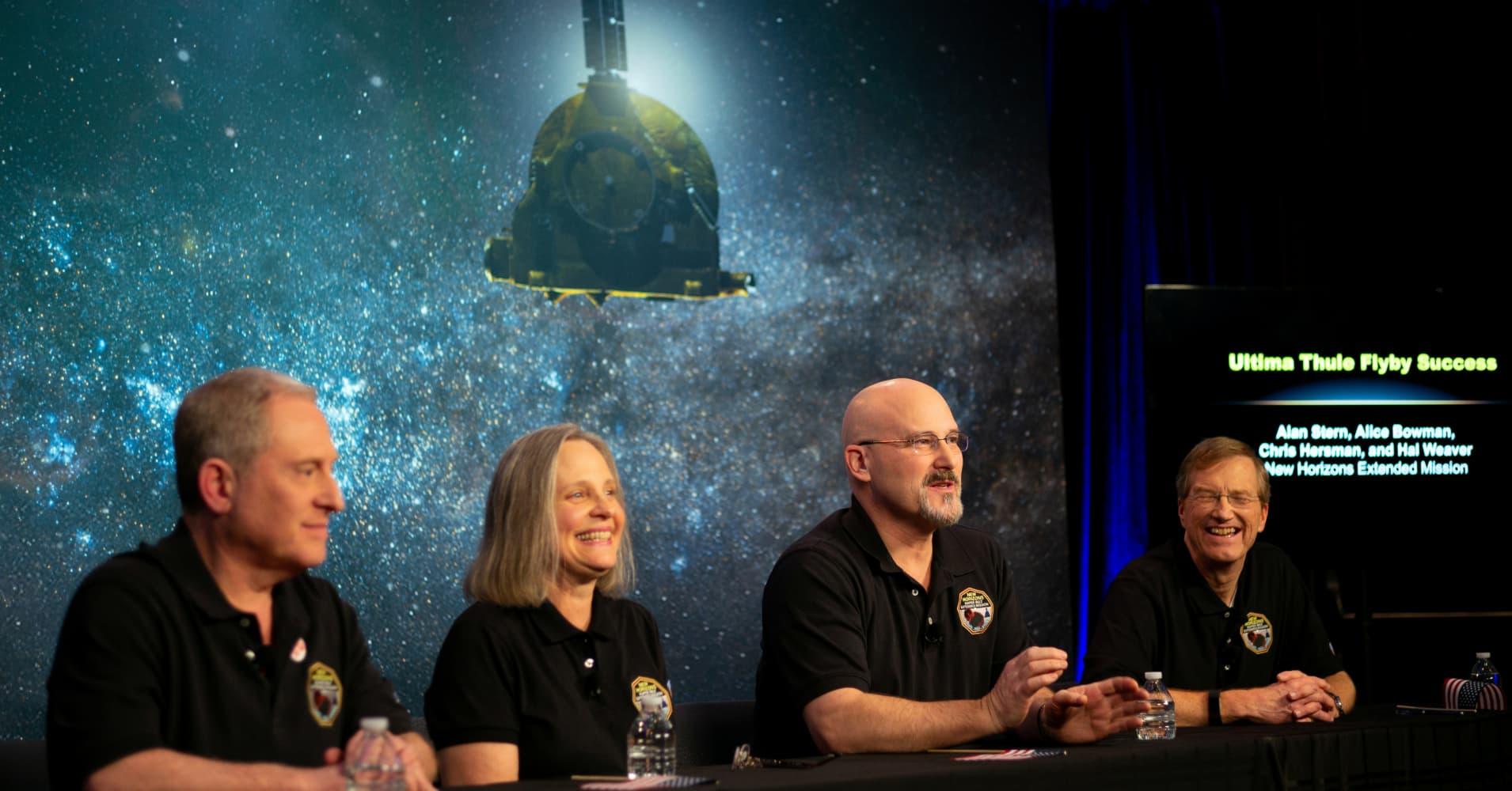 NASA space probe 'phones home' in landmark mission to solar system's edge