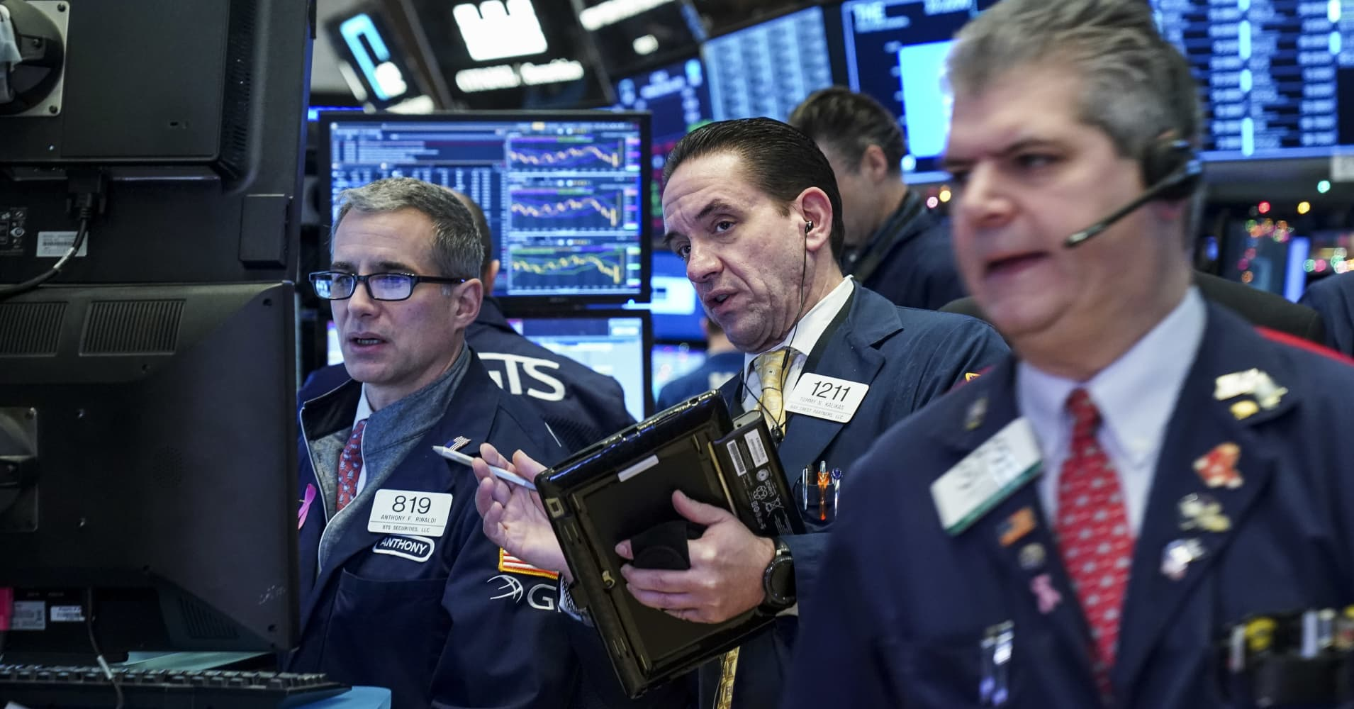 US Treasury yields move higher as investors monitor data, auctions