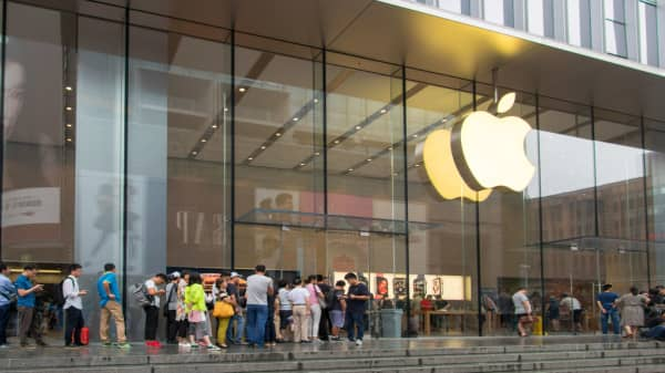 Change in Chinese consumer affect iPhone sales, pro says