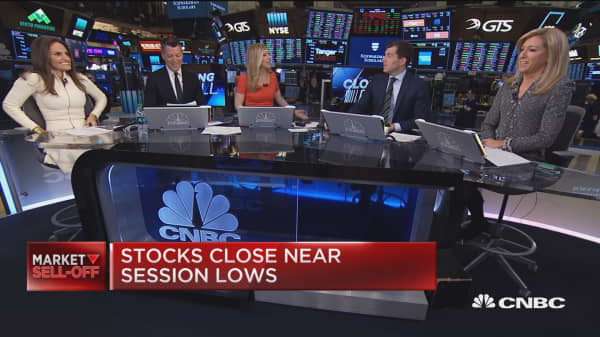 There will be more companies hit by tariffs like Apple, says Nuveen's Stephanie Link