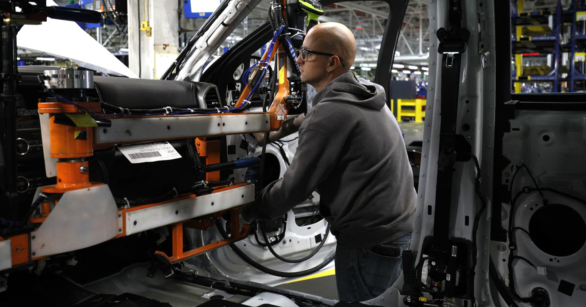 cnbc.com - Phil LeBeau - Ford to build new factory in Michigan for autonomous vehicles