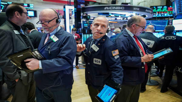 Futures indicate flat open following Friday rally