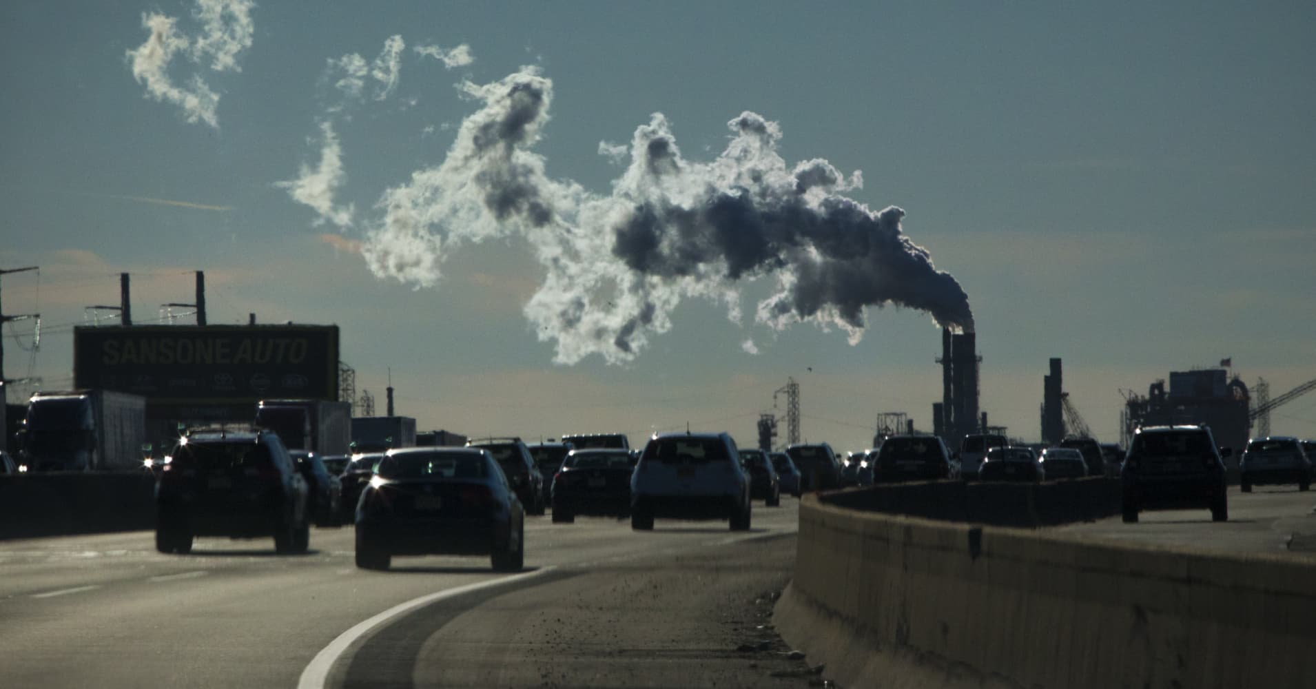 US carbon emissions see largest yearly gain in 8 years, data show