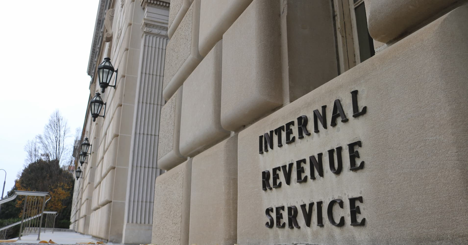 Approach tax refund advances with caution