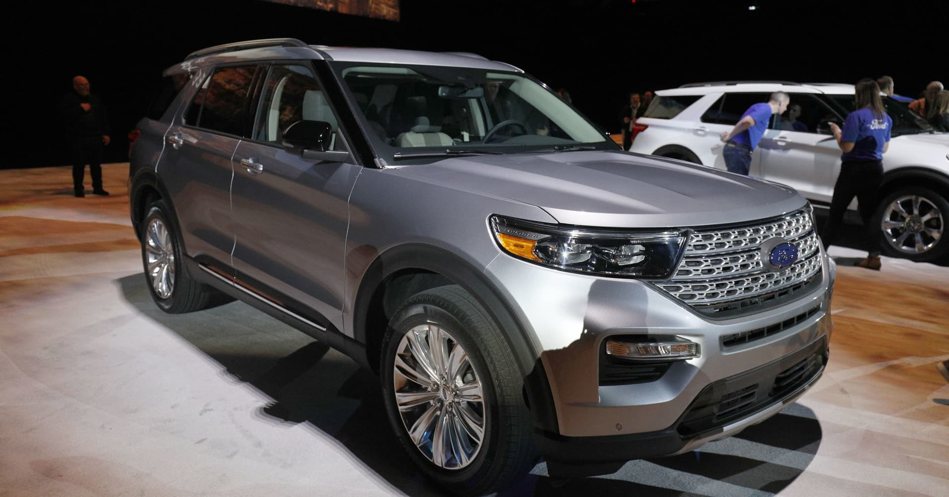 Ford unveils 2020 Explorer, popular SUV's first redesign ...