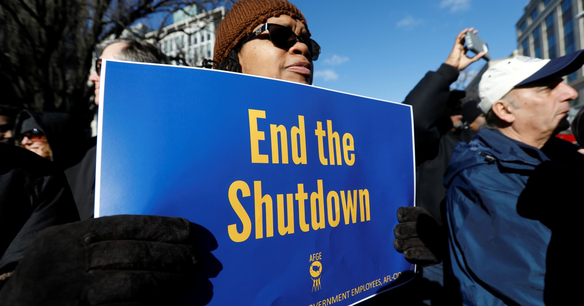 20 organizations offering discounts, giveaways and payment assistance during the government shutdown